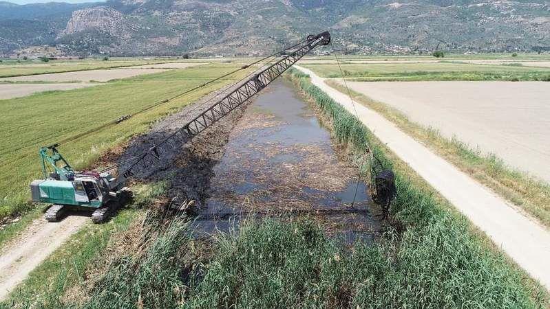 D12 dranaj kanalı  temizleniyor