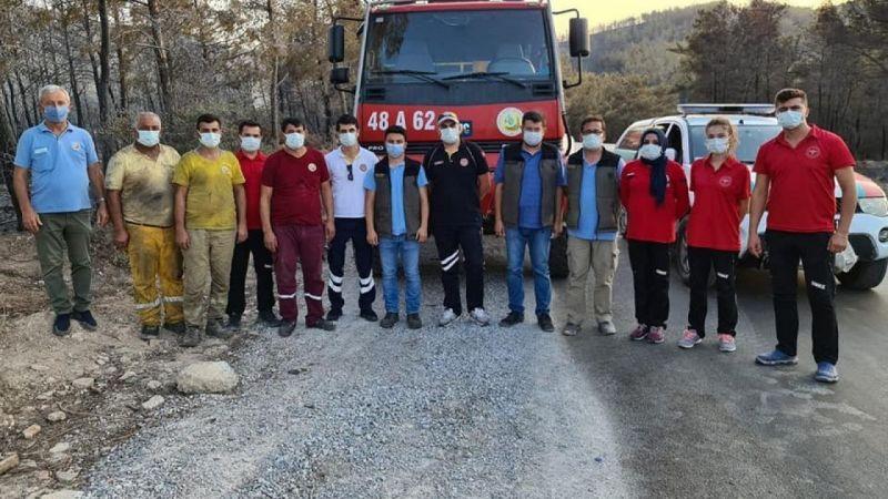 Aydın İl Sağlık Müdürlüğü Muğla'daki orman yangınında görev yapıyor