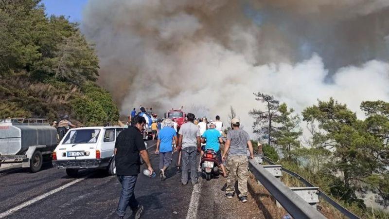 Üç bölgede yangın sürüyor