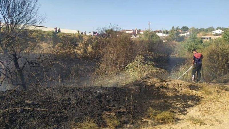 Sarıkemer'de yangına  vatandaş müdahalesi
