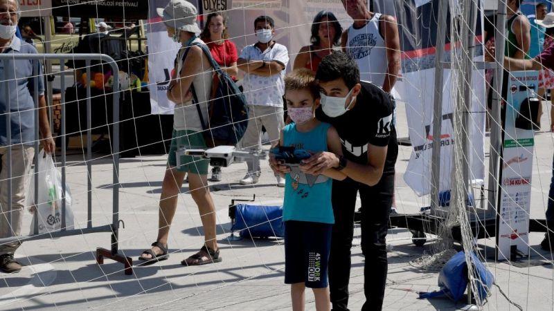 Kuşadası'nda drone yarışları nefesleri kesti