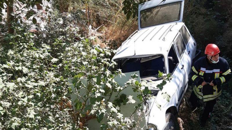 Otomobil uçuruma uçtu: 7 yaralı