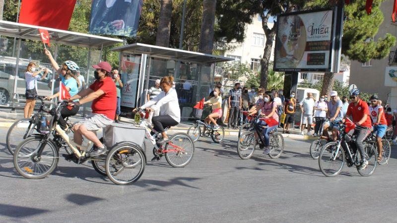 Bisikletçiler 30 Ağustos Zafer turu Attı