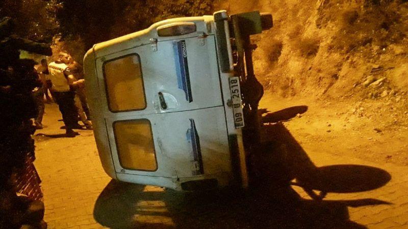 Freni boşalan minibüs devrildi: 4 yaralı
