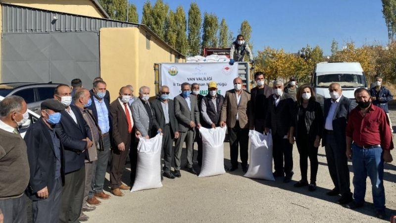 Van'da çiftçilere tohum desteği yapıldı