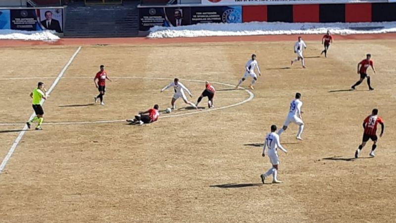 Vanspor FK, Karacabey Belediyespor'a 2-1 mağlup oldu!