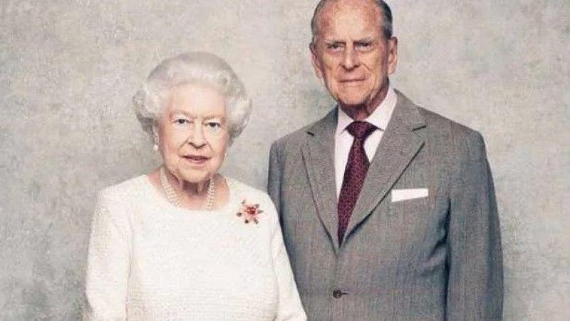 Kraliçe Elizabeth'in eşi Prens Philip hayatını kaybetti