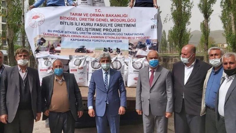 Bitlis'te sertifikalı kuru fasulye tohumu dağıtımı gerçekleştirildi