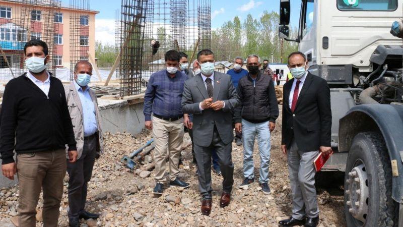 Van Erciş'te 3 yeni okul ile 200 kişilik pansiyon inşa çalışmaları başladı