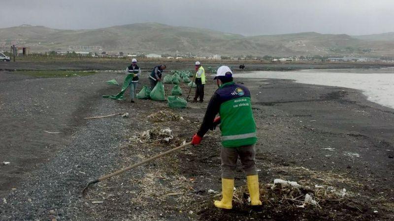 Van Kirman deresi ve Fidanlık sahili temizlendi