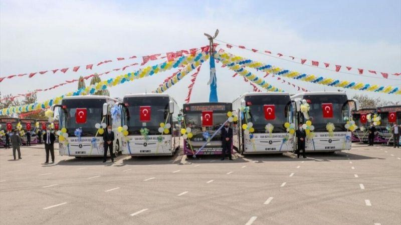 Van'da İranlı turistleri taşıyacak otobüsler seferlerine başladı
