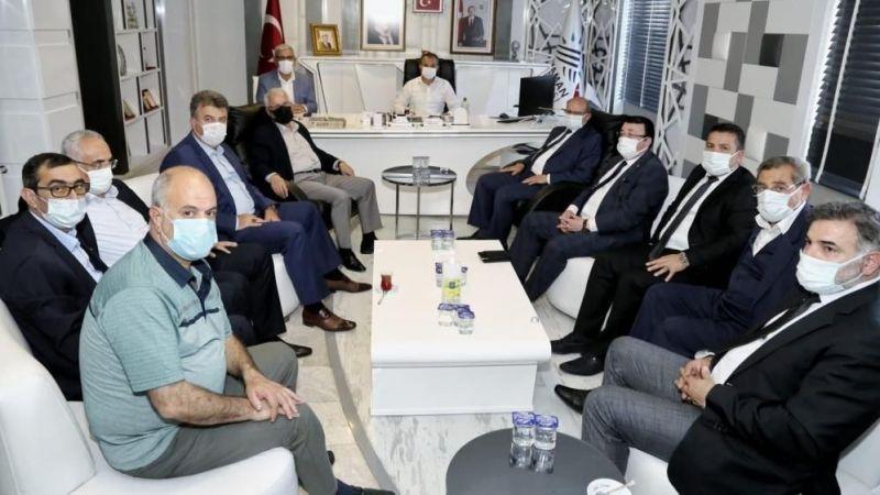 Aşiret liderlerinden Adıyaman Belediye Başkanı Kılınç'a ziyaret