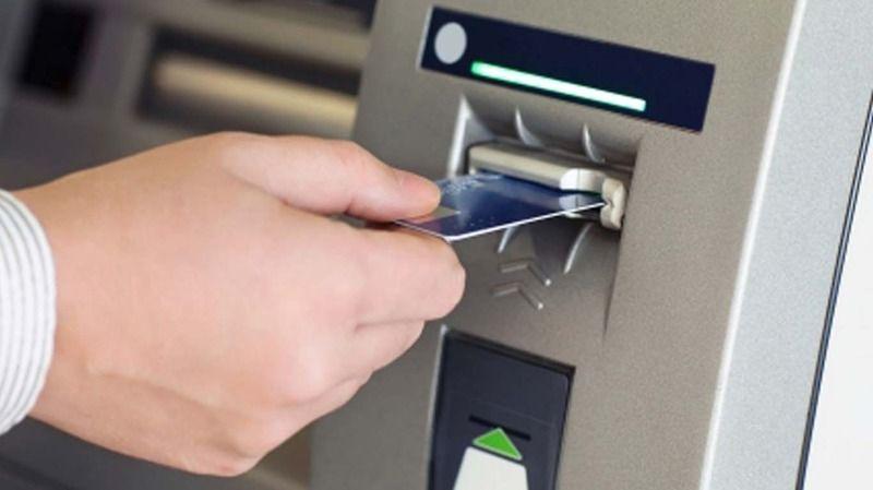 ATM'lere yerleştirdikleri düzenekle 500 bin TL vurgun yaptılar