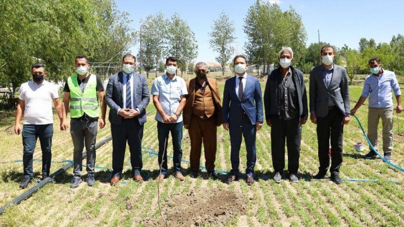 Van İpekyolu Belediyesinden çiftçilere büyük destek