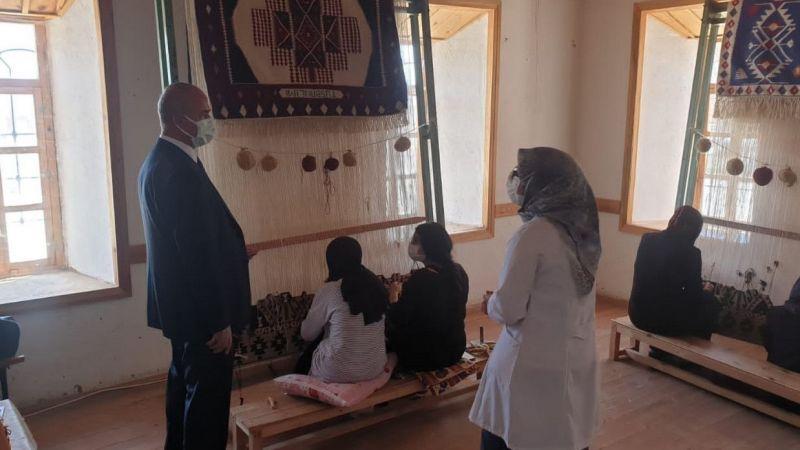 Tuşba Belediyesi halı ve kilim kursu ile geleneği sürdürüyor