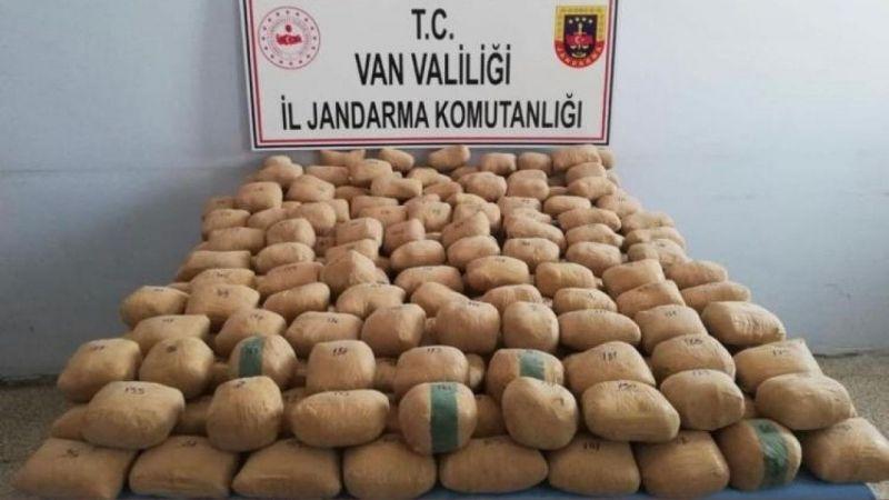 Van'da toprağa gömülü 233,5 kilo eroin ele geçirildi