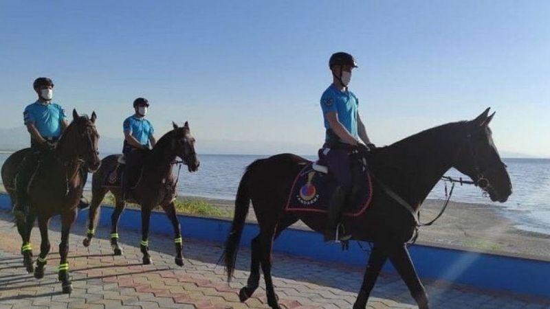 Van'da sahiller atlı birliklere emanet