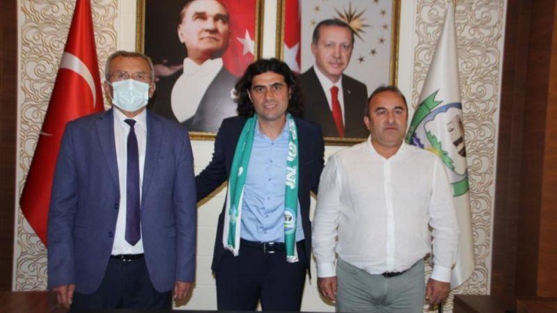 Serhat Gülpınar, Serik Belediyespor ile anlaştı