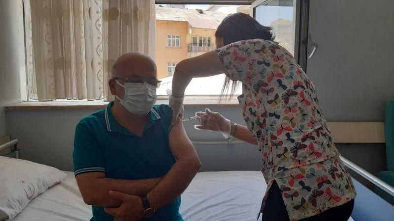 Hakkari'de aşıya yoğun ilgi