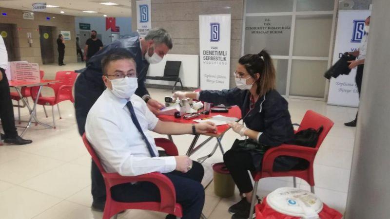 Van Cumhuriyet Başsavcısı Dönmez'den kan bağışı