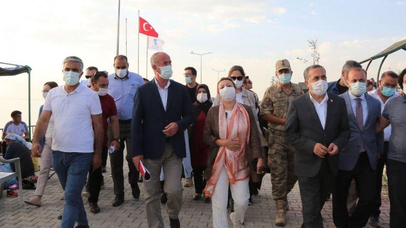 Bakan Yardımcısı Yavuz, Tuşba'da incelemelerde bulundu