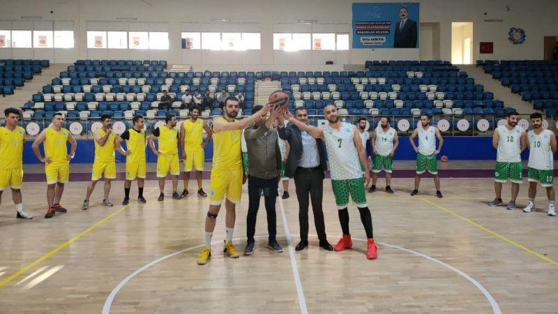 Hakkari'de kurumlar arası 2. Spor Şenlikleri başladı