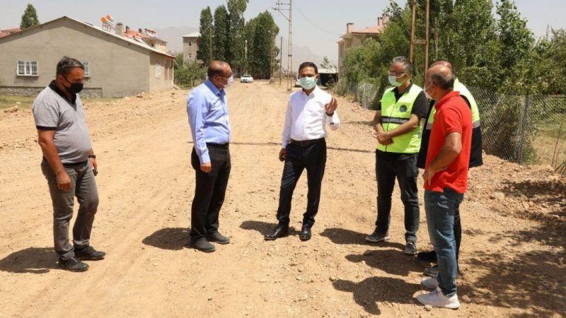 İpekyolu Belediyesi yol açma ve yenileme atağı başlattı