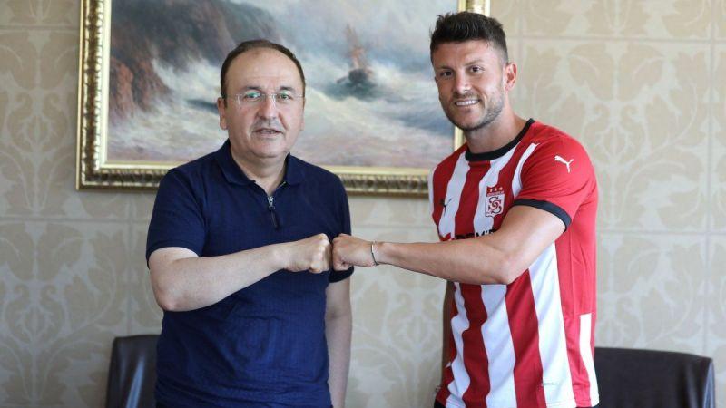 Sivasspor, Sefa Yılmaz'ı transfer ettiğini duyurdu