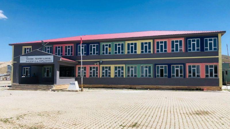 Van'da özel okulları kıskandıran köy okulu