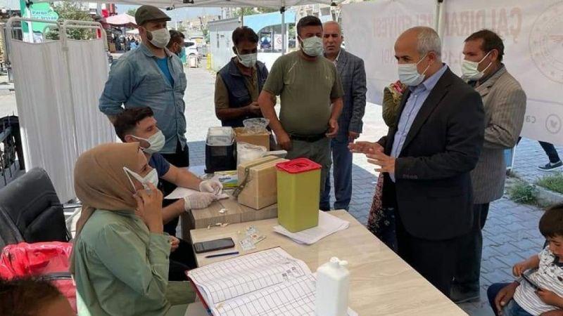 Van Çaldıran'da aşı standına yoğun ilgi
