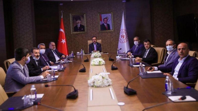 Bakan Kasapoğlu'ndan Vanspor'a maddi yardım