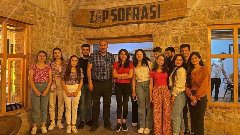 Çukurca Belediye Başkanı Dündar'dan öğrencilere moral