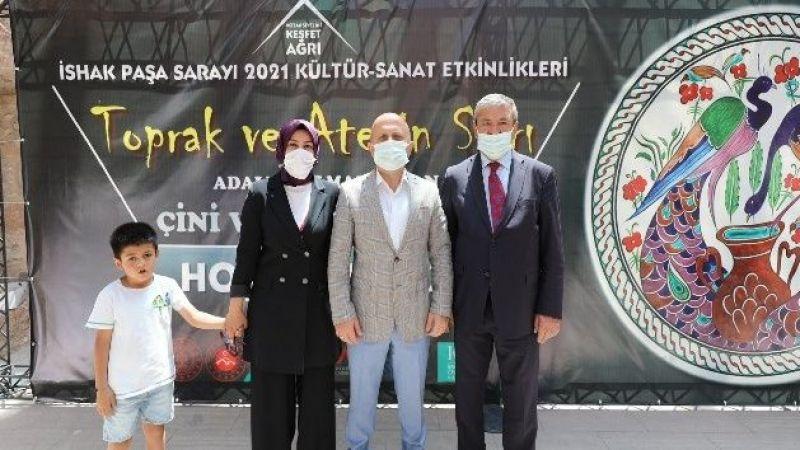 Ağrı İshak Paşa Sarayı'nda Cam ve Seramik sergisi