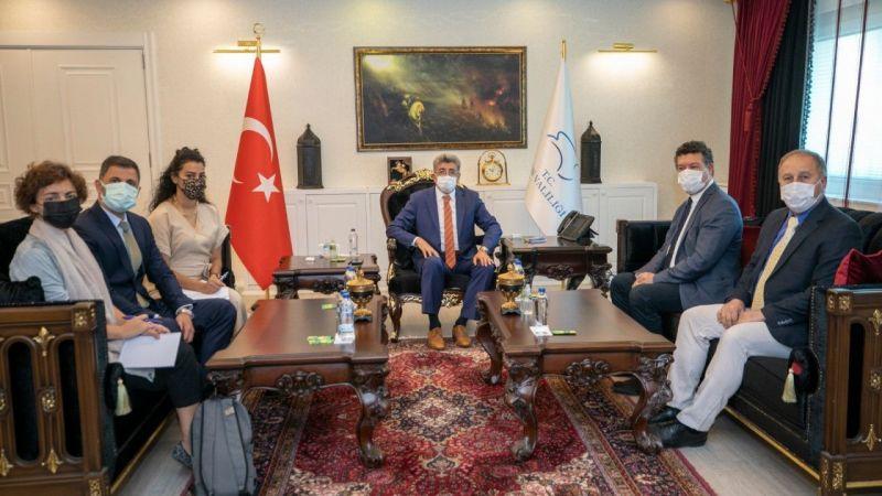 UNHCR Türkiye Temsilcisi göçmenler için Van'da