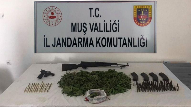 Muş'ta uyuşturucu ve silah kaçakçılığı: 5 gözaltı