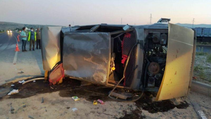 Bitlis Haber: Ahlat'ta trafik kazası! 1 yaralı
