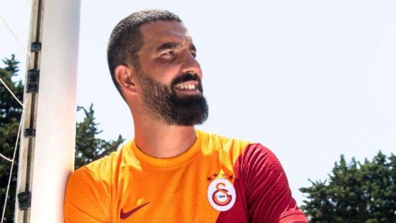 Galatasaray 2021-2022 yeni sezon formaları tanıtıldı
