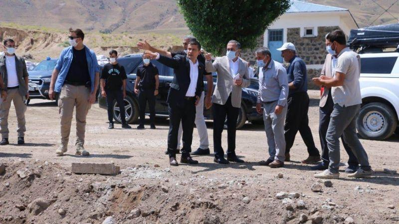 Van Milletvekili Arvas, selden etkilenen mahalleleri ziyaret etti