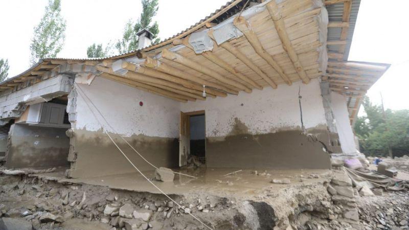 Başkale'deki sel felaketinde birçok yapı yıkıldı