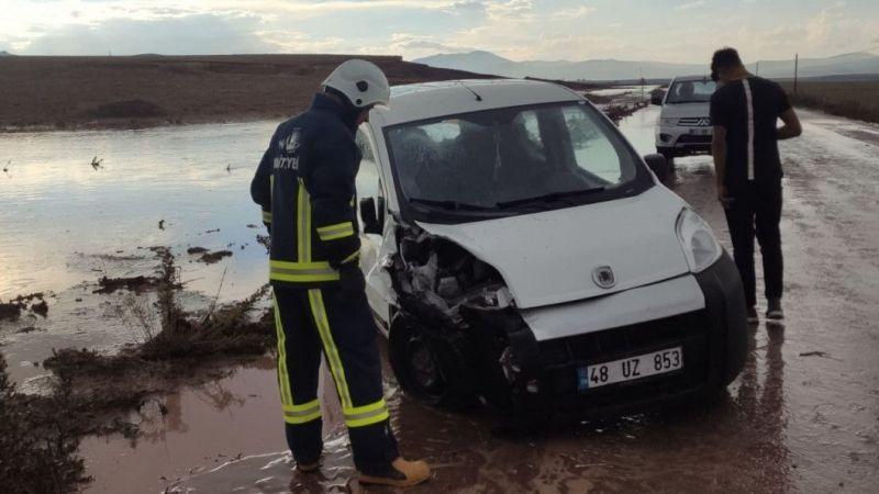 Van'da trafik kazası: 2 kişi yaralandı