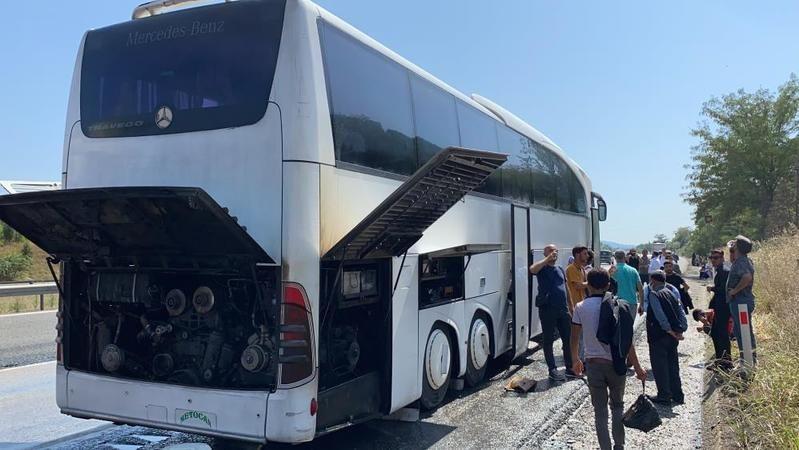 Van'dan İstanbul'a giden otobüs alev aldı! Yolcular ölümden döndü