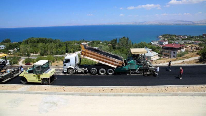 Van Edremit TOKİ yolunda asfalt çalışmaları başladı
