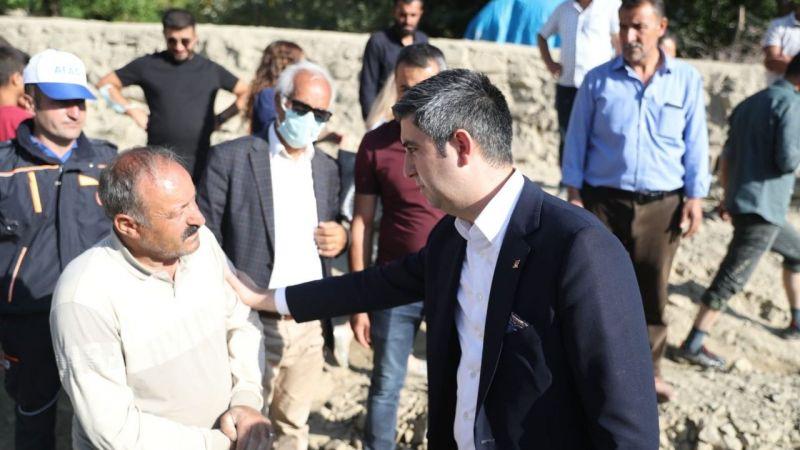 Kartal Belediye Başkanı Yüksel, Van'da selzedeleri ziyaret etti