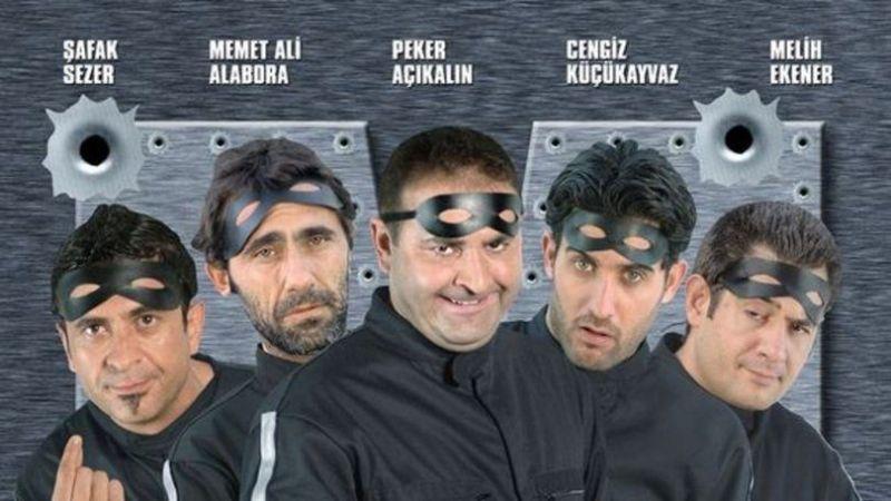 Maskeli Beşler İntikam Peşinde oyuncuları kim? Nerede çekildi?