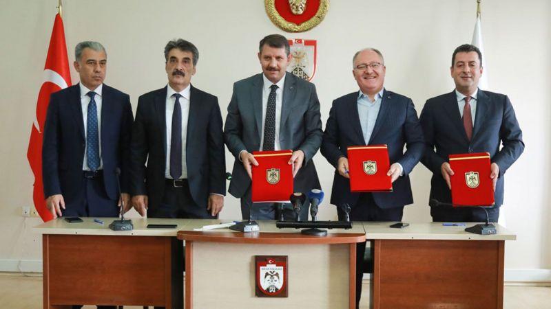 Sivas'ta üç farklı proje için protokoller imzalandı