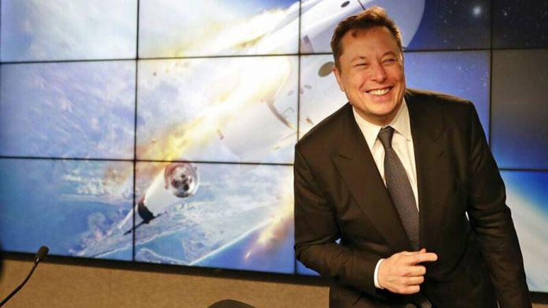 Elon Musk, uzayda reklam işine giriyor