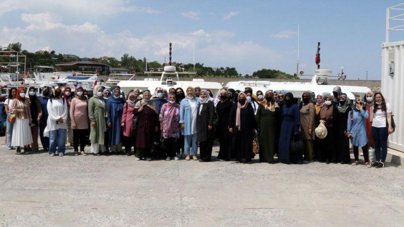 Van'da kadın kursiyerler Akdamar Adasını gezdi