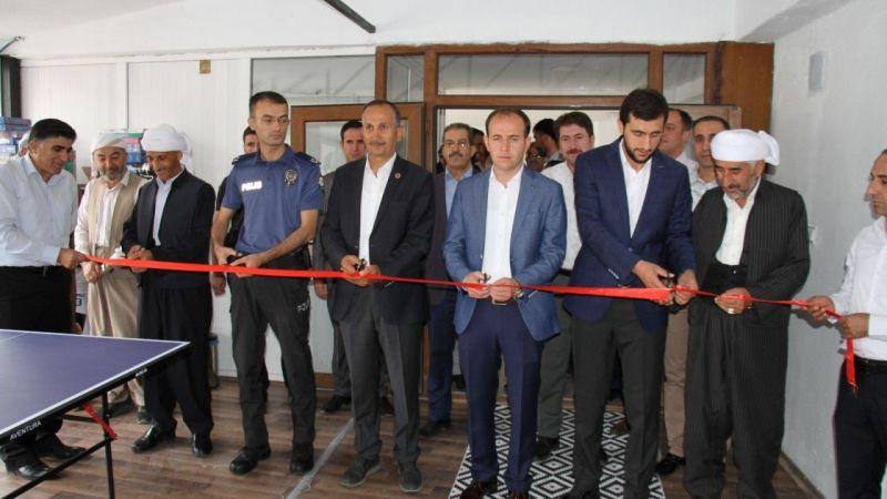 Şemdinli'de Nehri Gençlik Kitap Kahve açıldı