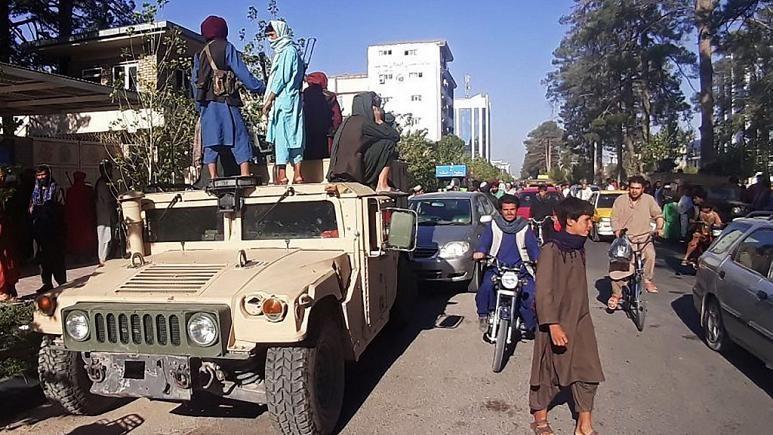 Taliban güçleri Afganistan'ı ele geçirdi