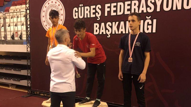 Vanlı Güreşçi Şervan Türkiye Şampiyonu!